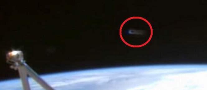 С чем встречались космонавты в космосе?
