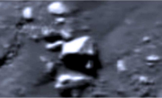 На Луне увидели поселение инопланетян