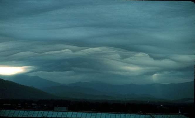 Завораживающие облака над горой Писга в Ашвилле
