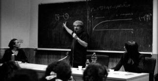 Итальянский физик-теоретик считает, что наша реальность – это «игра квантовых зеркал»